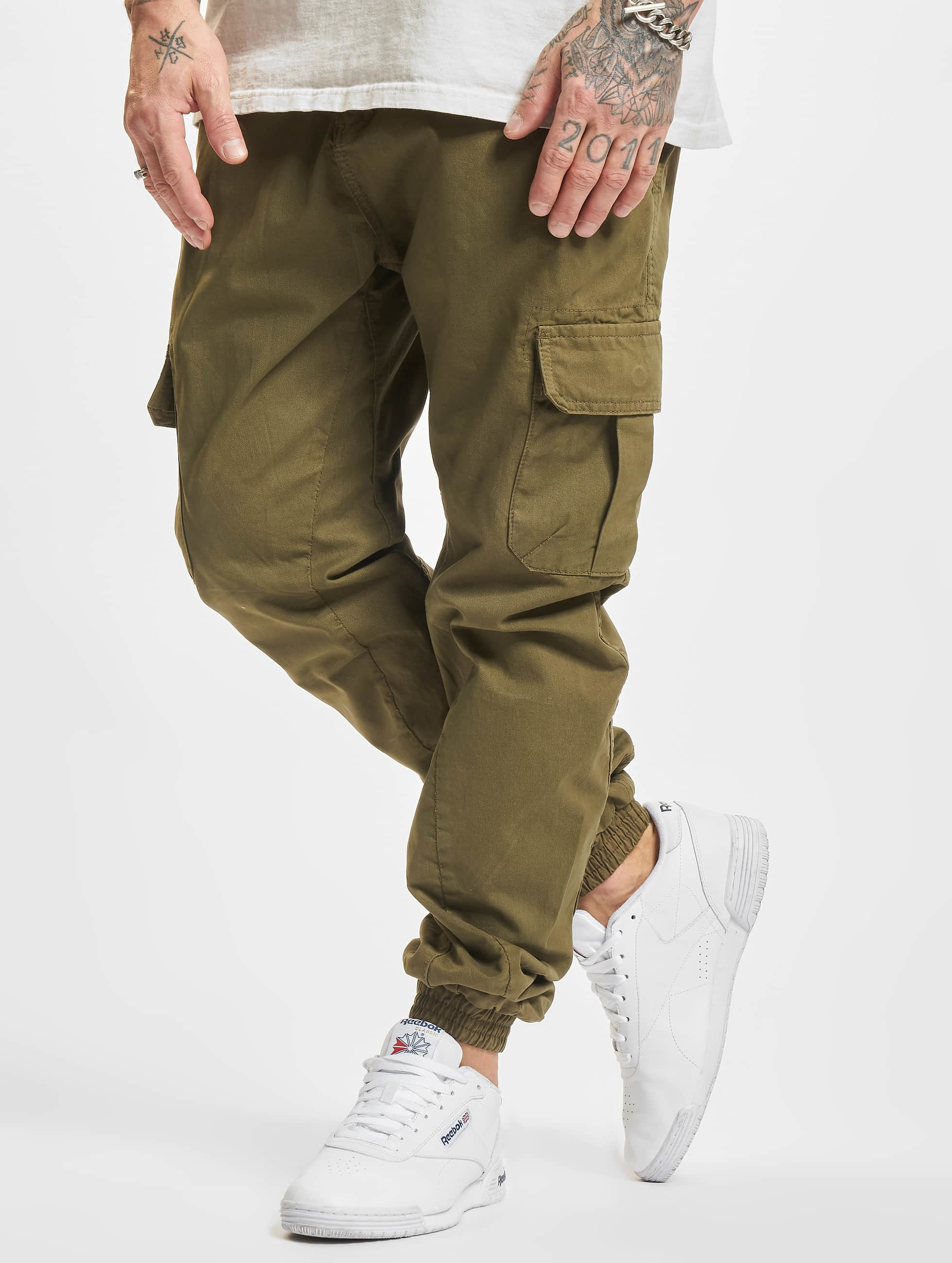 urban classics hose jogginghose cargo jogging in olive. Black Bedroom Furniture Sets. Home Design Ideas