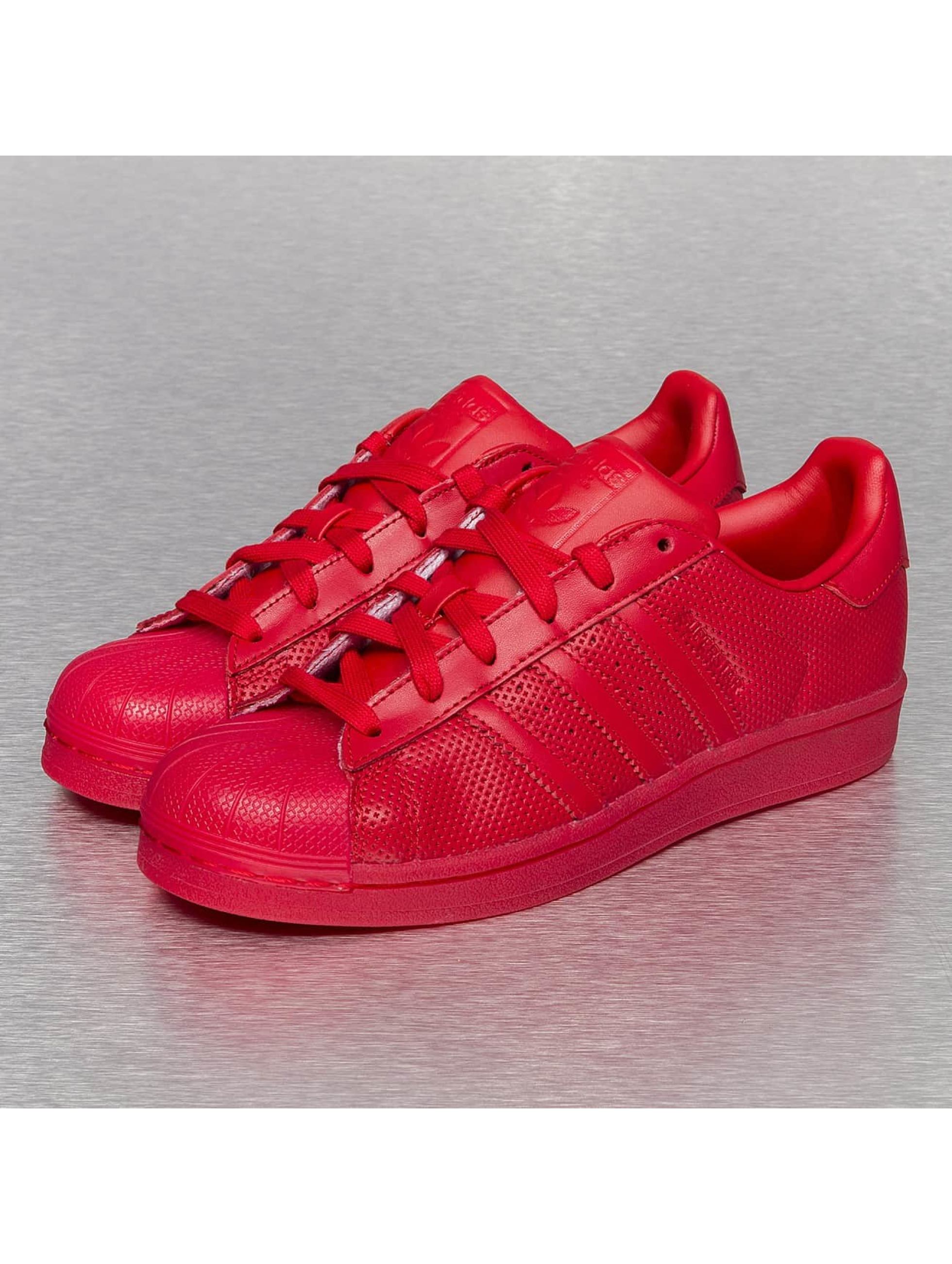 adidas chaussures baskets superstar adicolor en rouge 230363. Black Bedroom Furniture Sets. Home Design Ideas