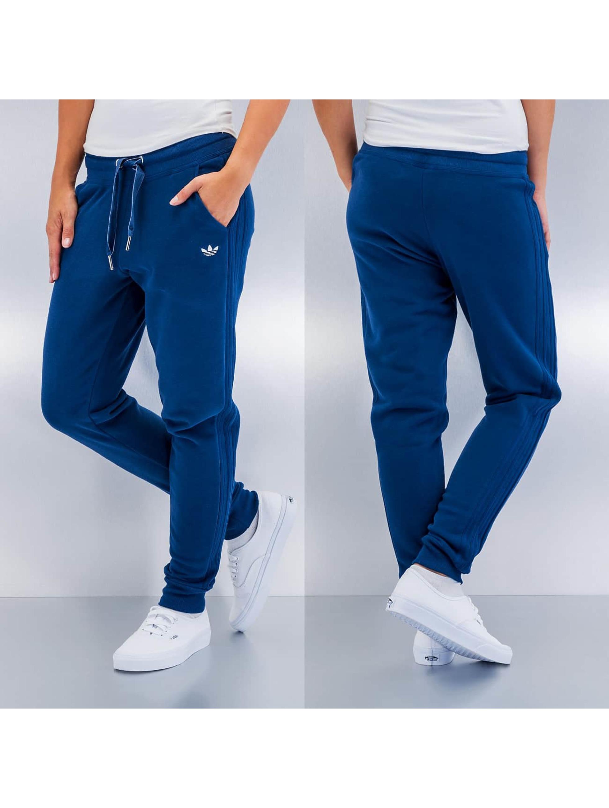 adidas pantalon jogging slim en bleu 231199. Black Bedroom Furniture Sets. Home Design Ideas