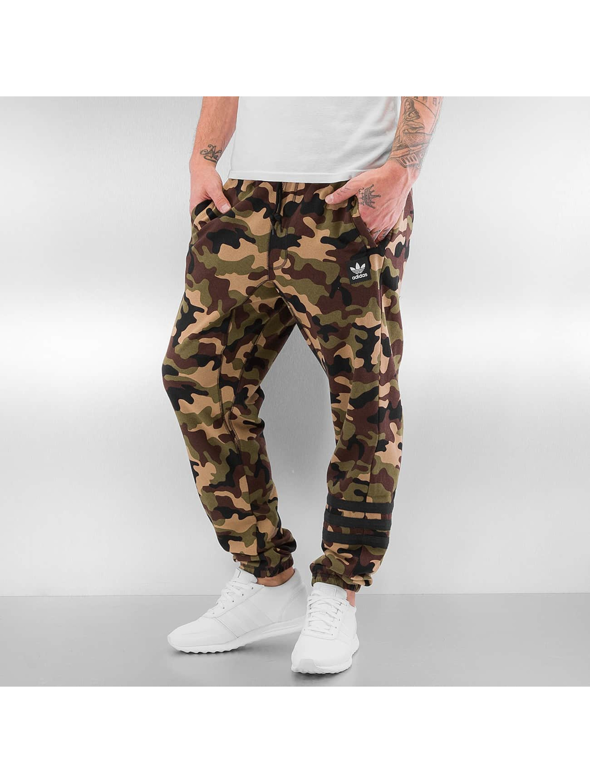 adidas jogginghose uncamo in camouflage 286542. Black Bedroom Furniture Sets. Home Design Ideas
