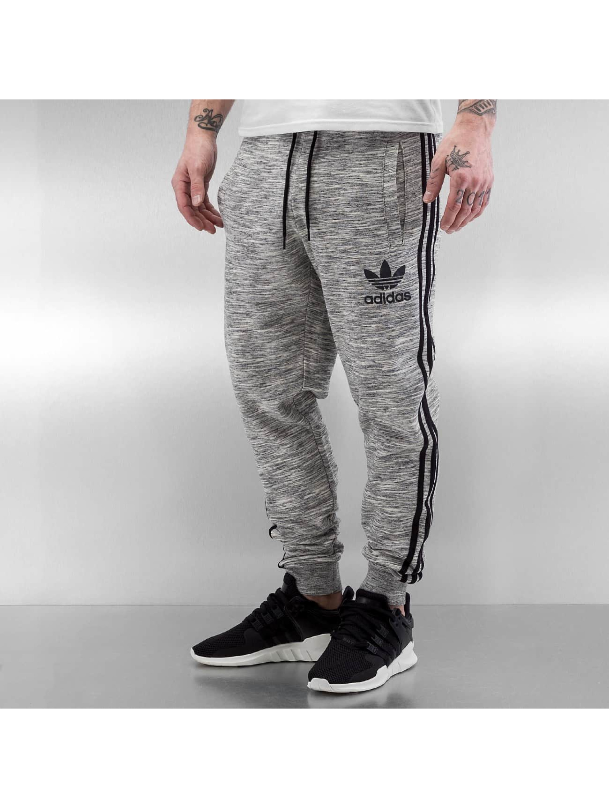 adidas herren jogginghose clfn french terry in grau 303193. Black Bedroom Furniture Sets. Home Design Ideas