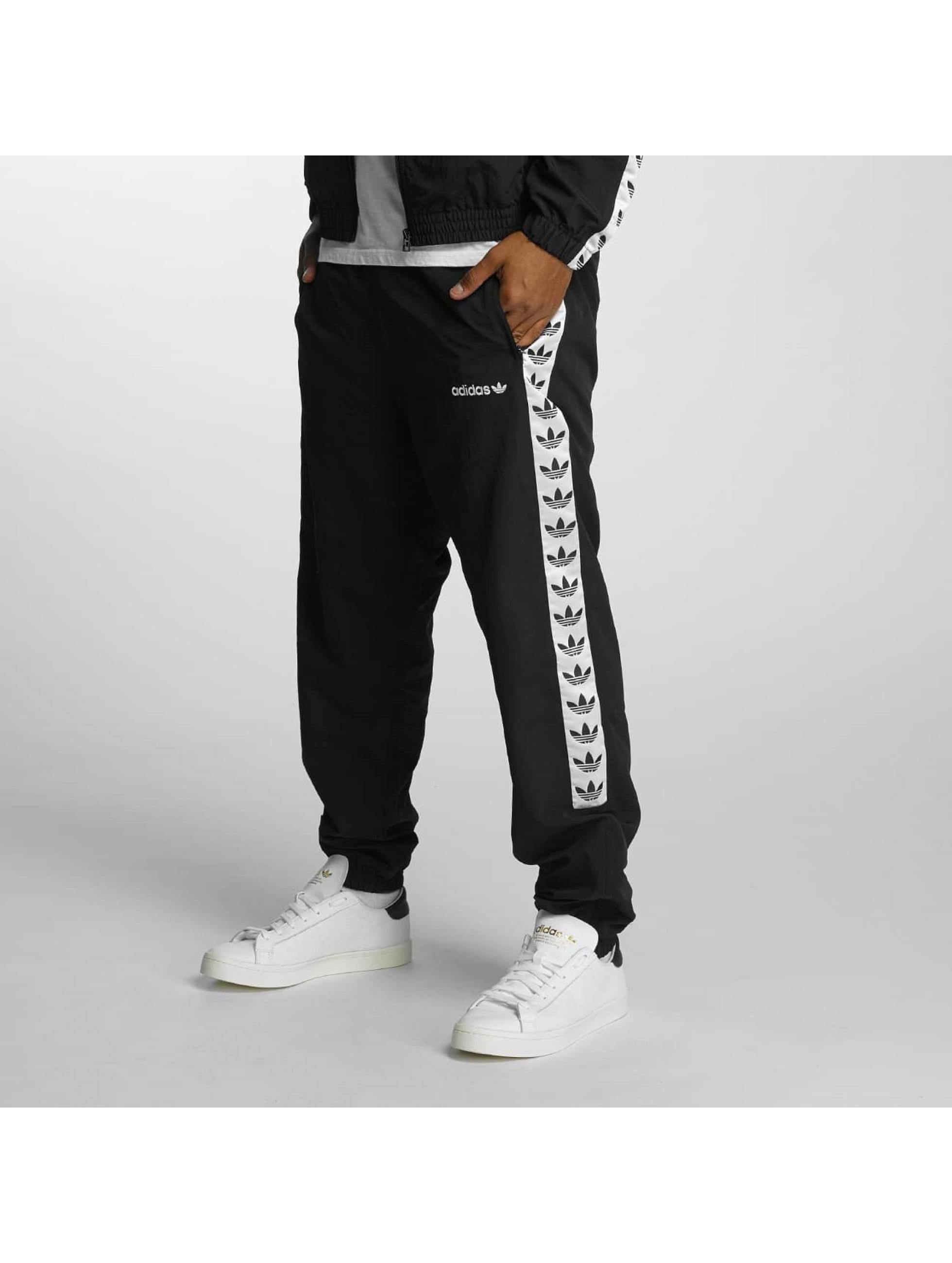 adidas herren jogginghose tnt tape wind in schwarz 368772. Black Bedroom Furniture Sets. Home Design Ideas