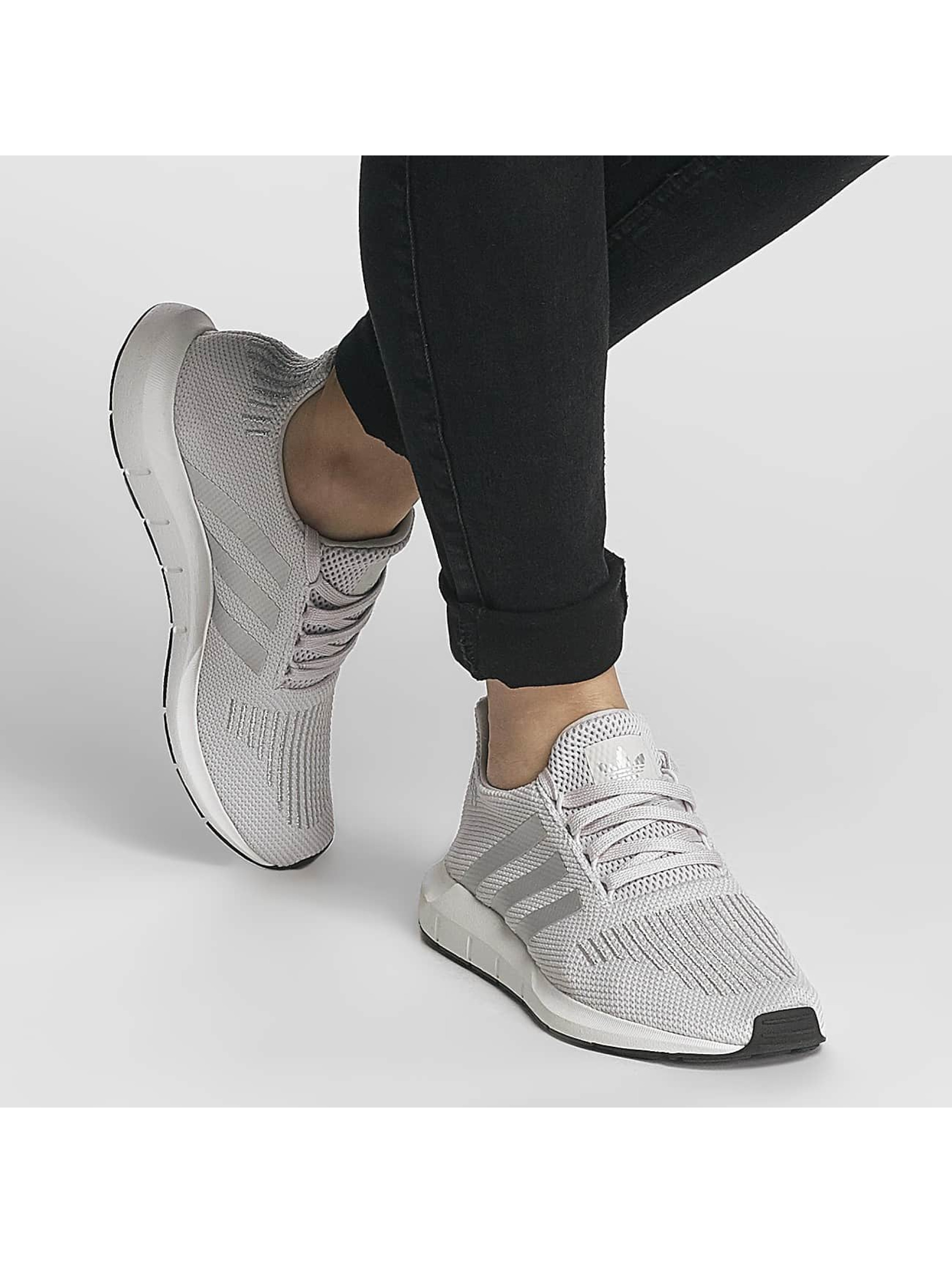 adidas originals Sneakers Swift Run gray