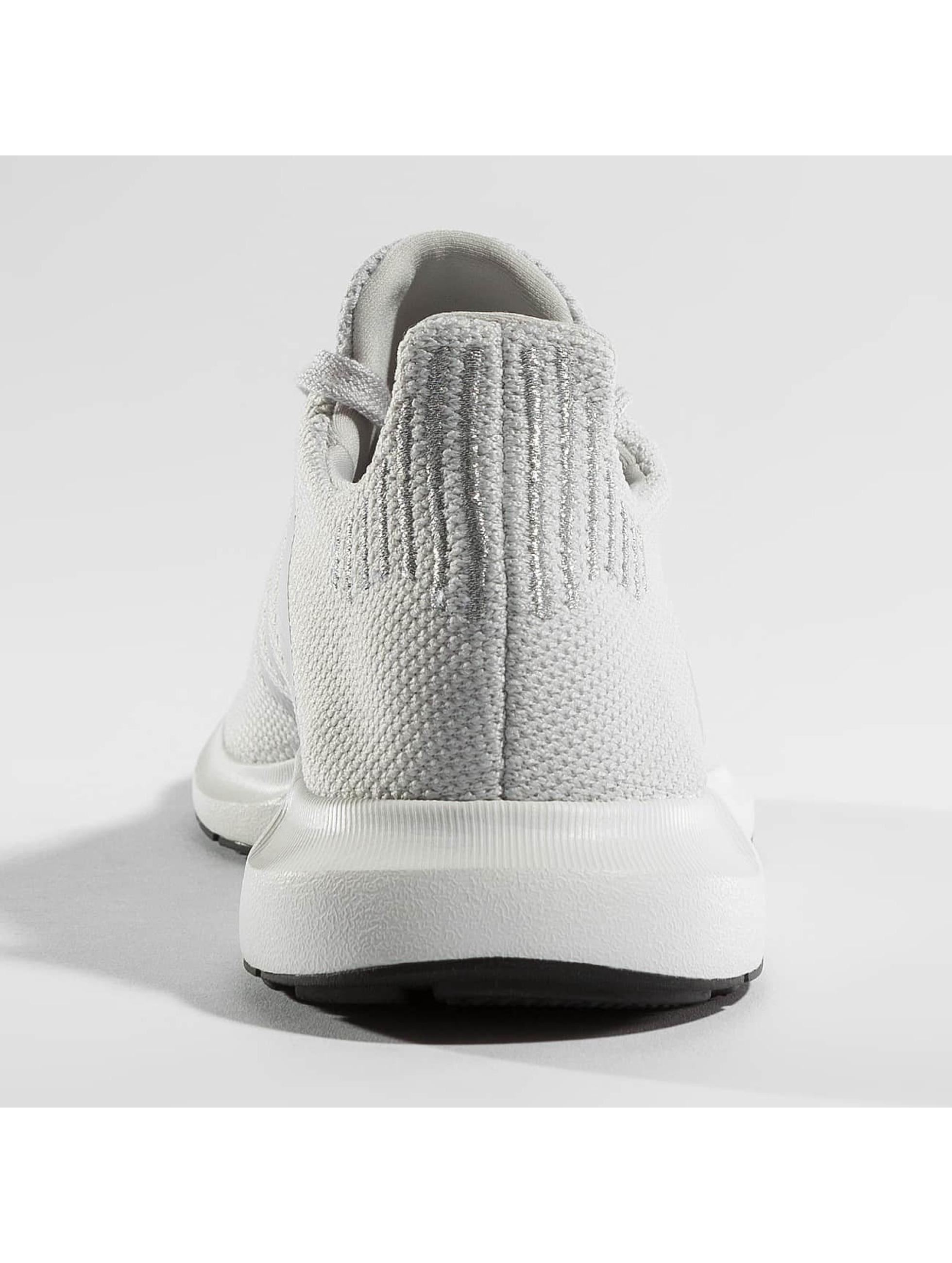 adidas Sneakers Swift Run gray