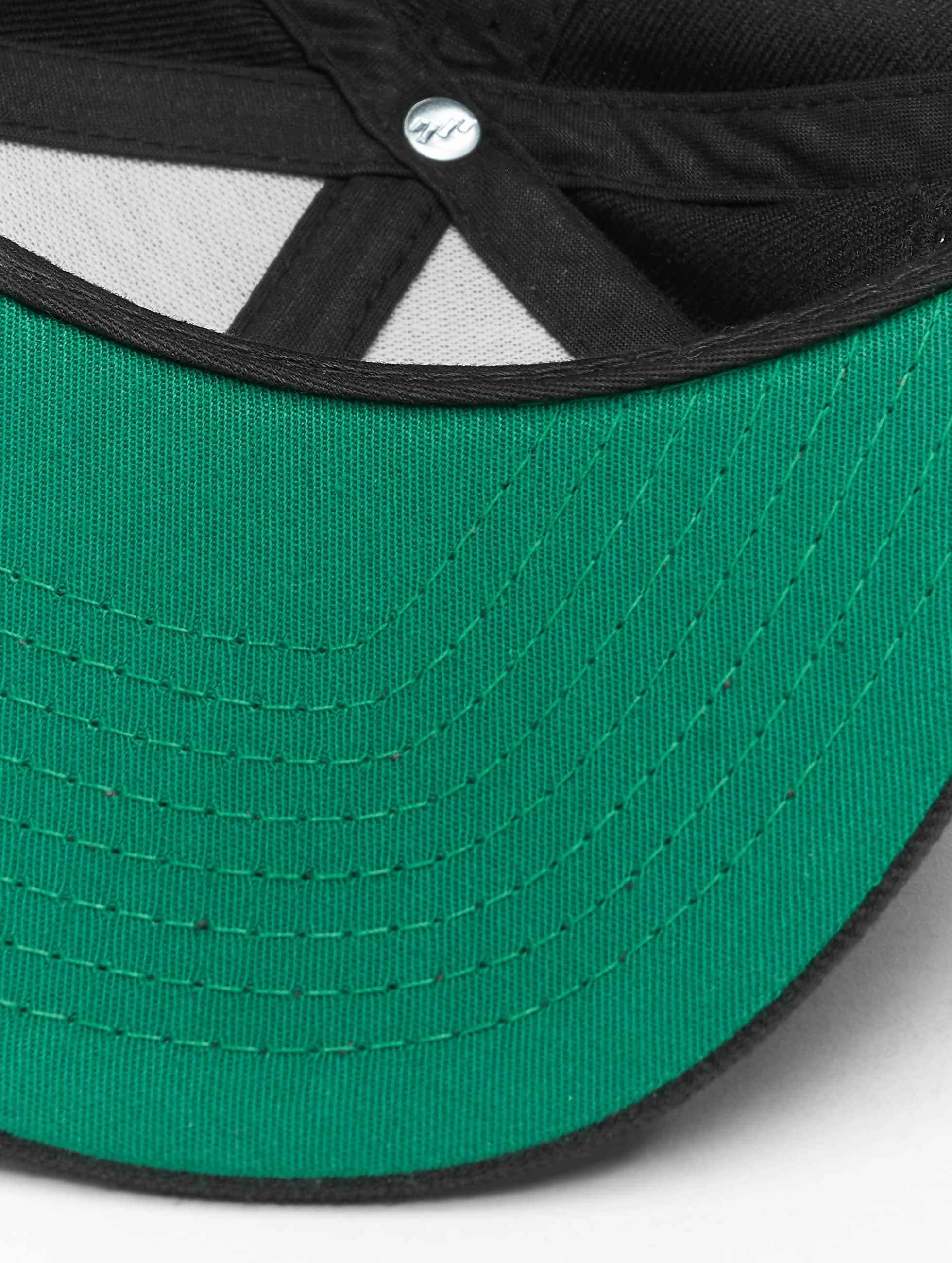 Flexfit Snapback Cap Classic black