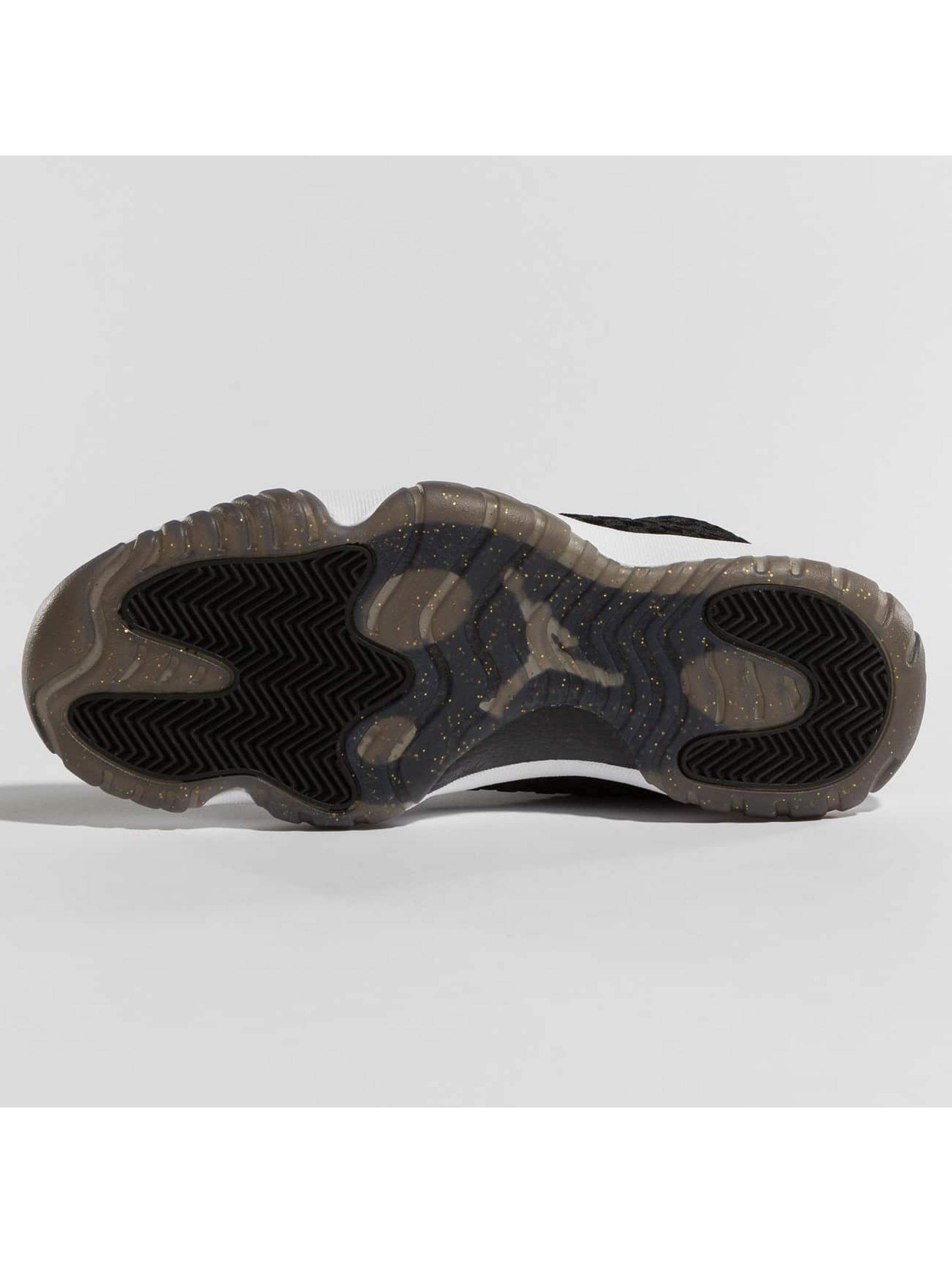 Jordan Sneakers Future black