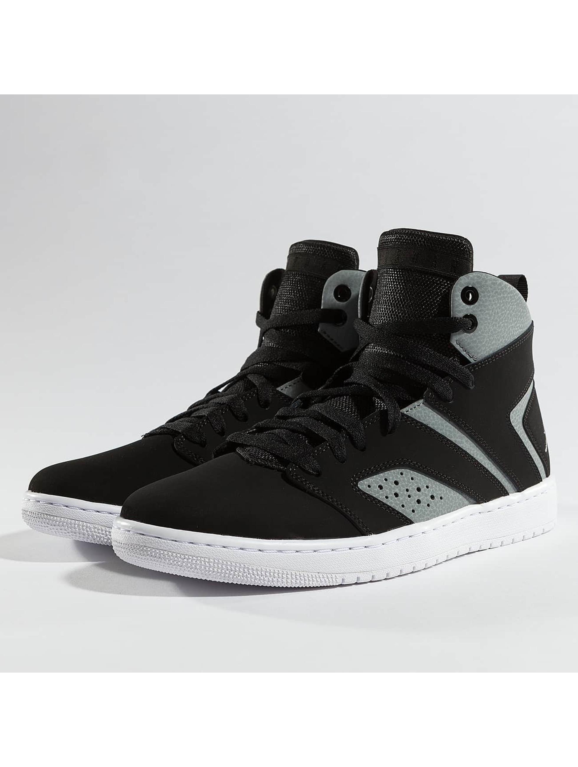 Jordan Sneakers Legend black