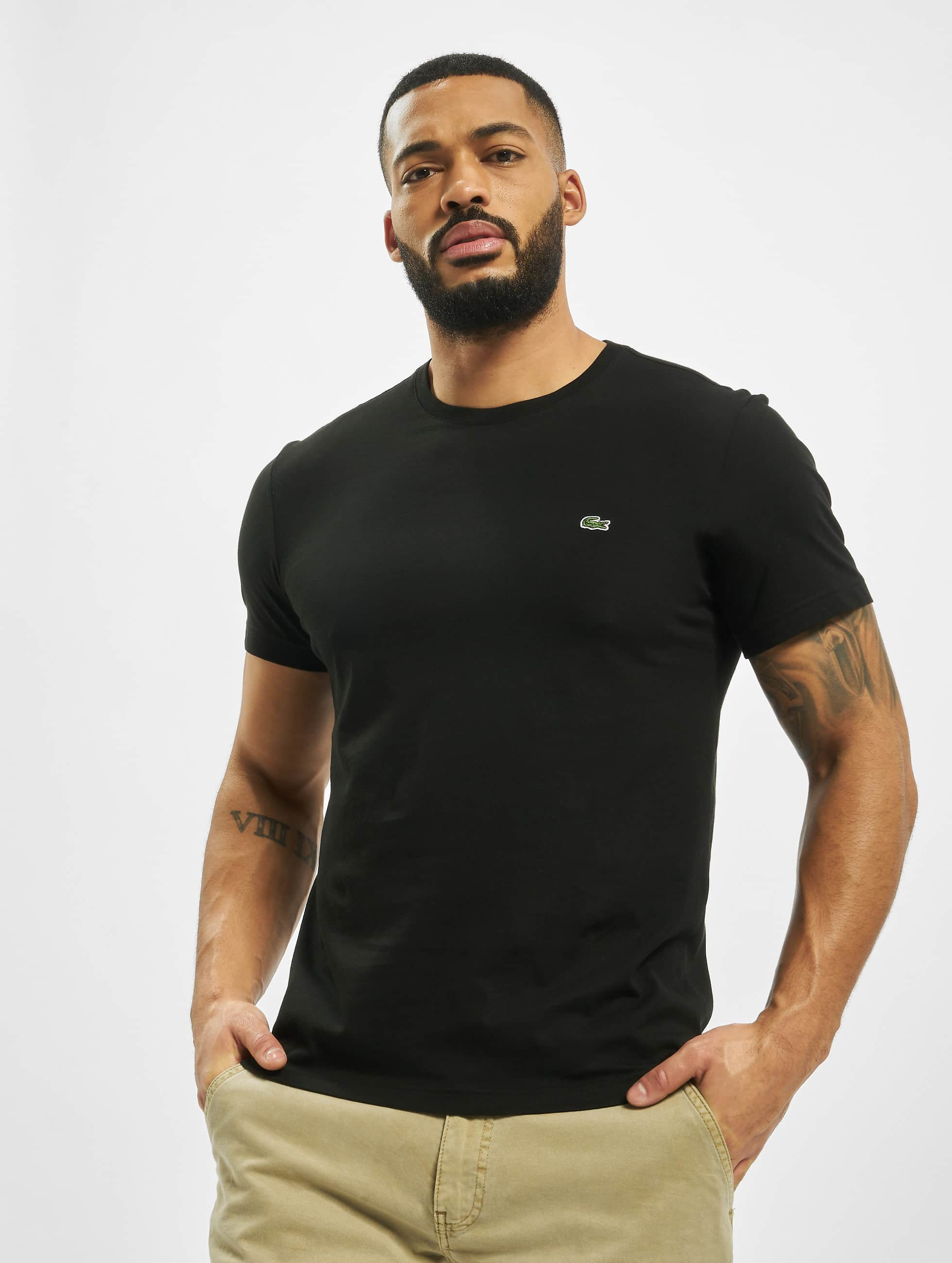 lacoste classic herren t shirt basic in schwarz 133010. Black Bedroom Furniture Sets. Home Design Ideas
