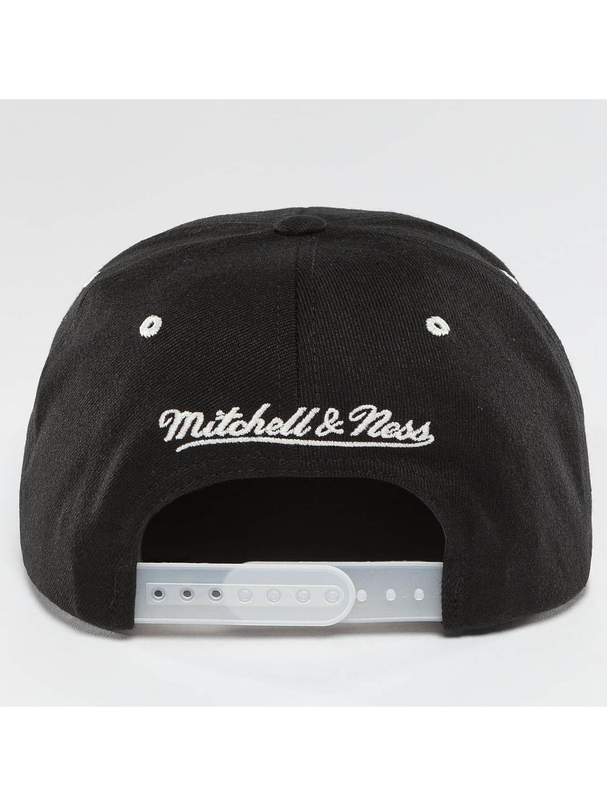 Mitchell & Ness Snapback Cap NBA 2-Tone Logo Cleveland Cavaliers black
