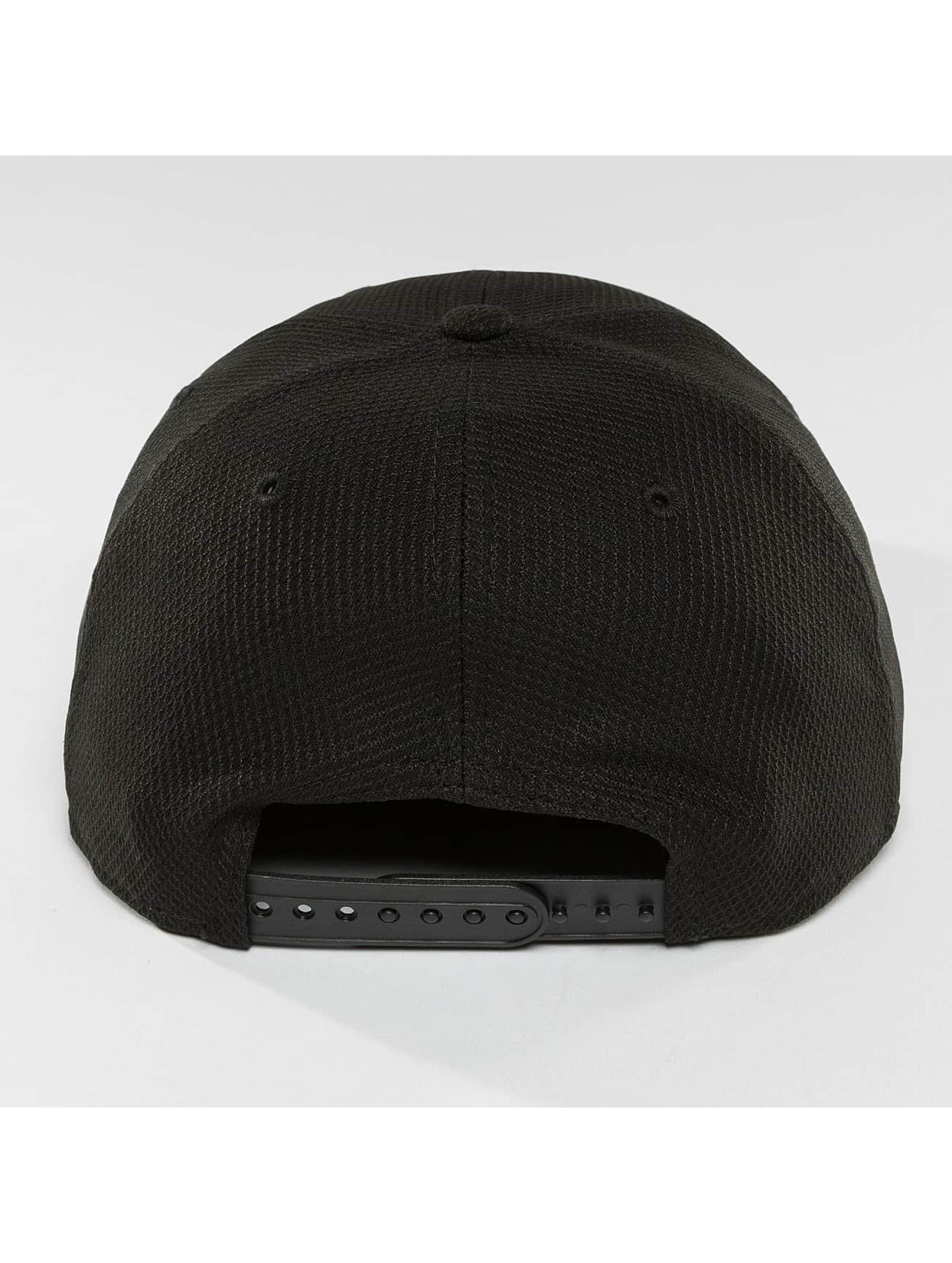 New Era Snapback Cap Blacked Out black