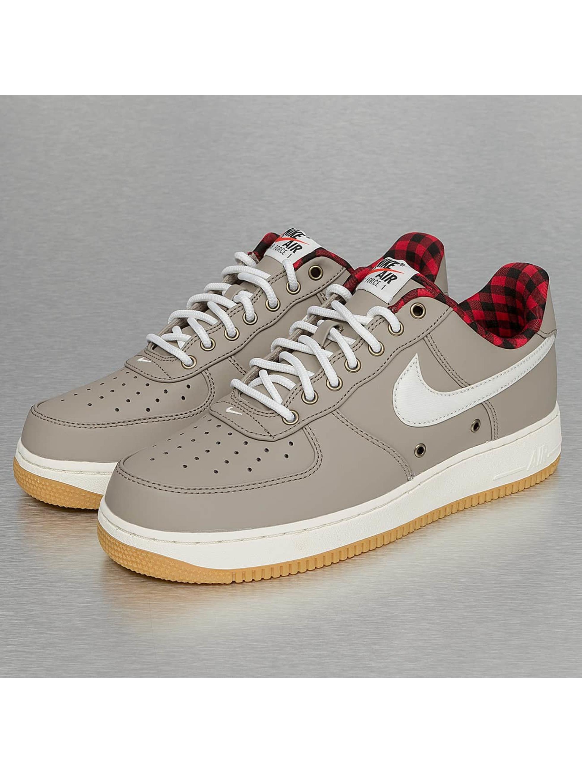 nike chaussures baskets air force 1 39 07 lv8 en beige 288154. Black Bedroom Furniture Sets. Home Design Ideas