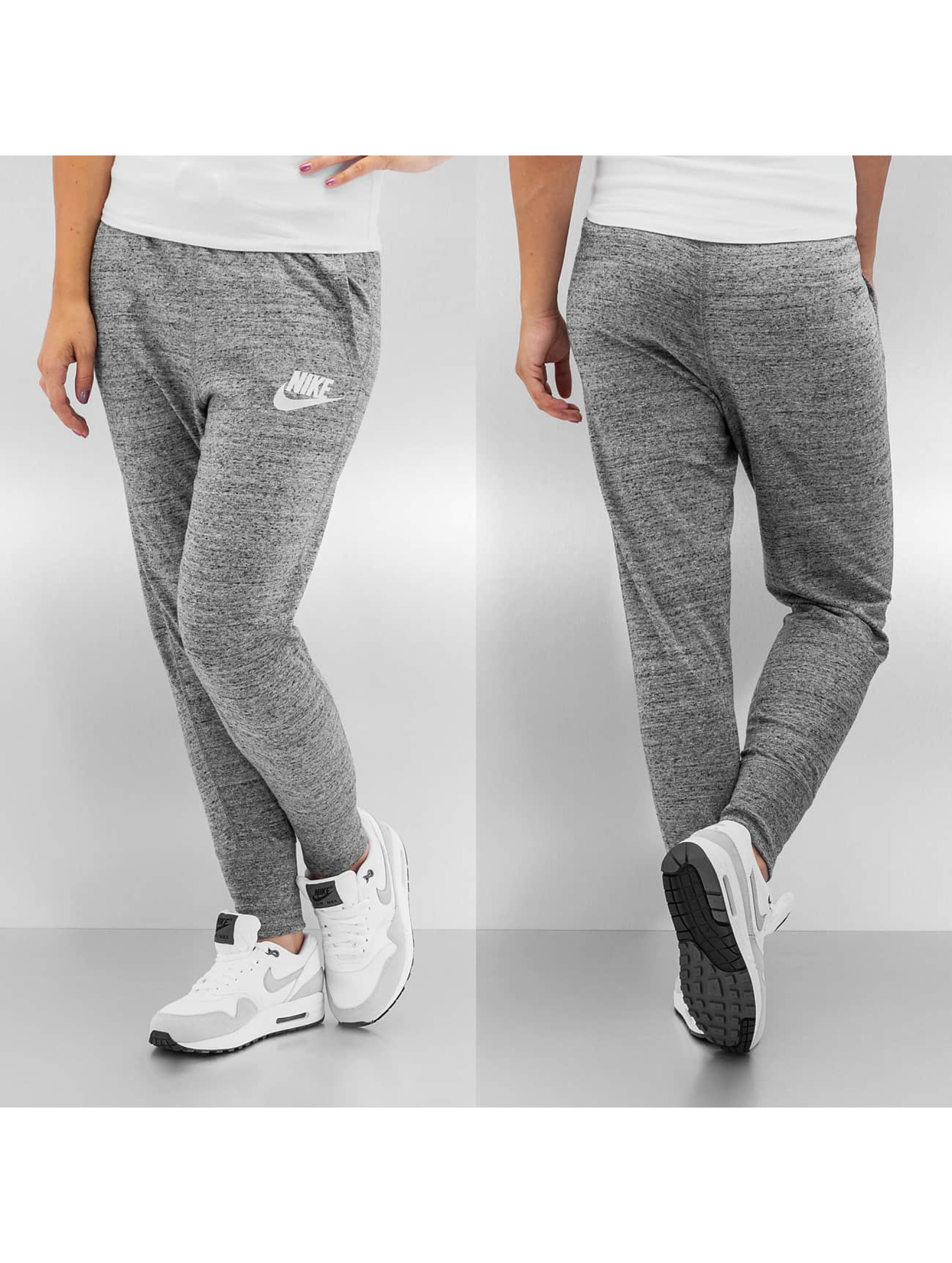 nike pantalon jogging gym vintage en gris 174575. Black Bedroom Furniture Sets. Home Design Ideas