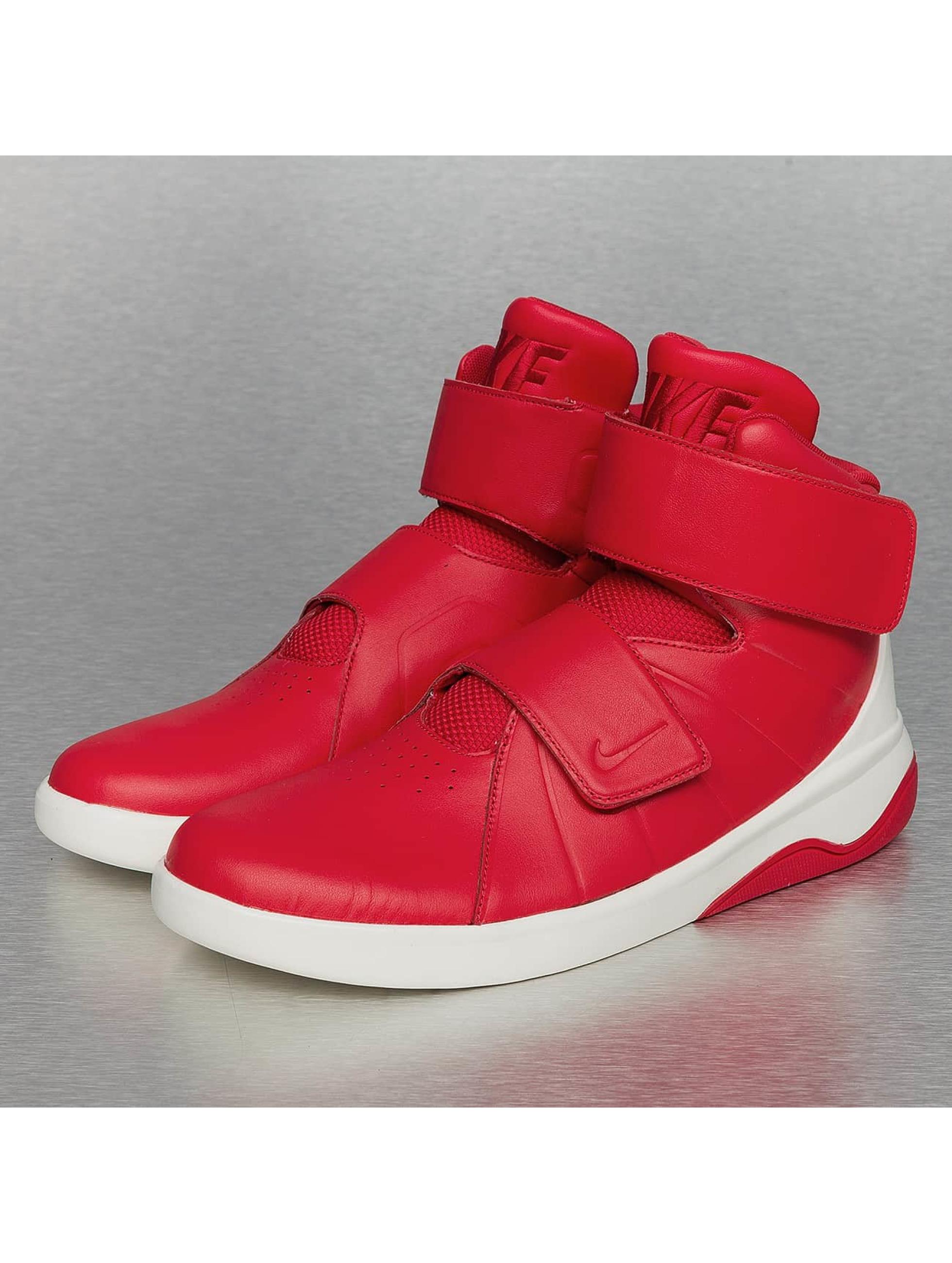 Nike Sneakers Rot