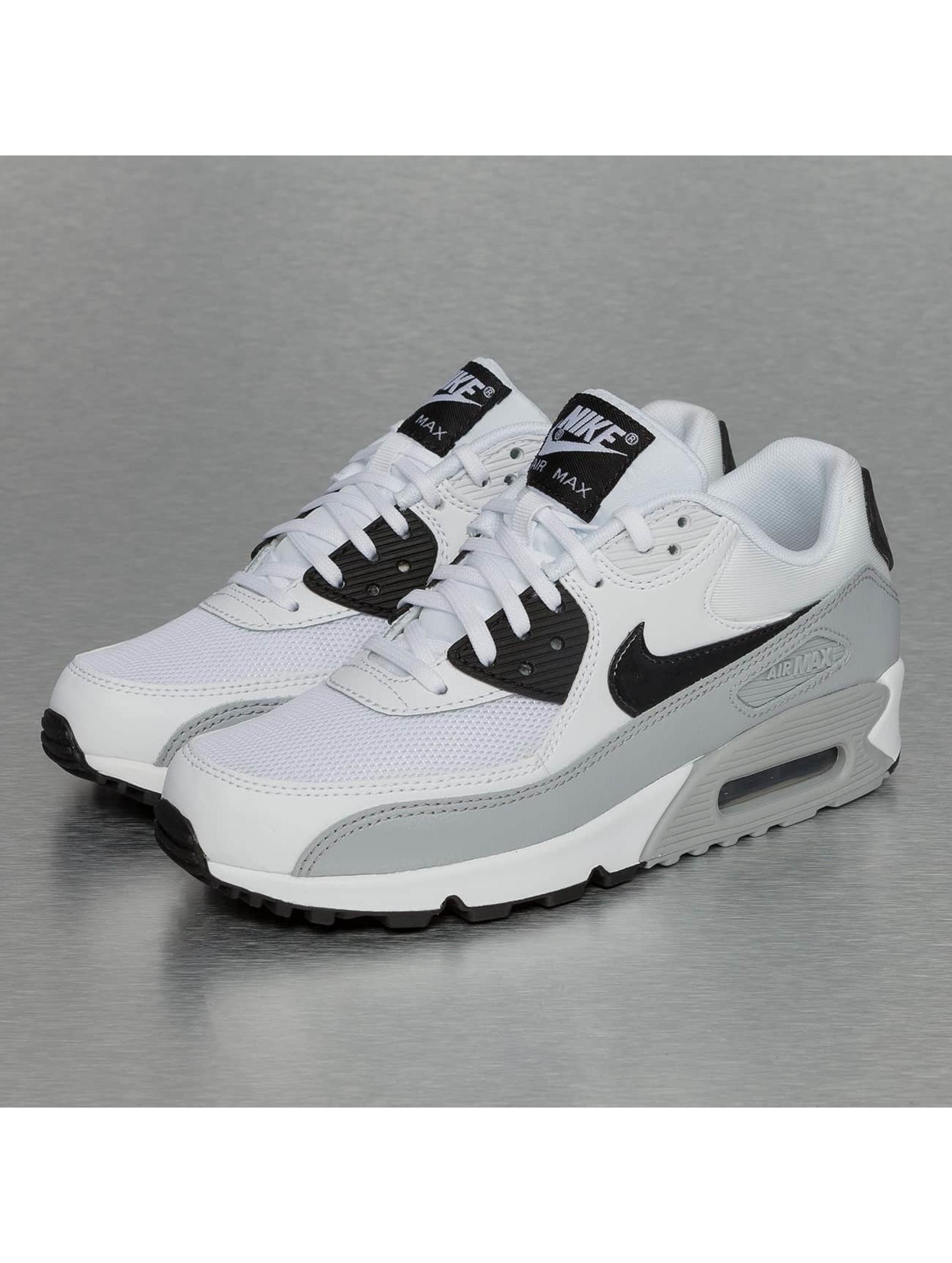nike sneaker air max 90 essential in wei 256778. Black Bedroom Furniture Sets. Home Design Ideas