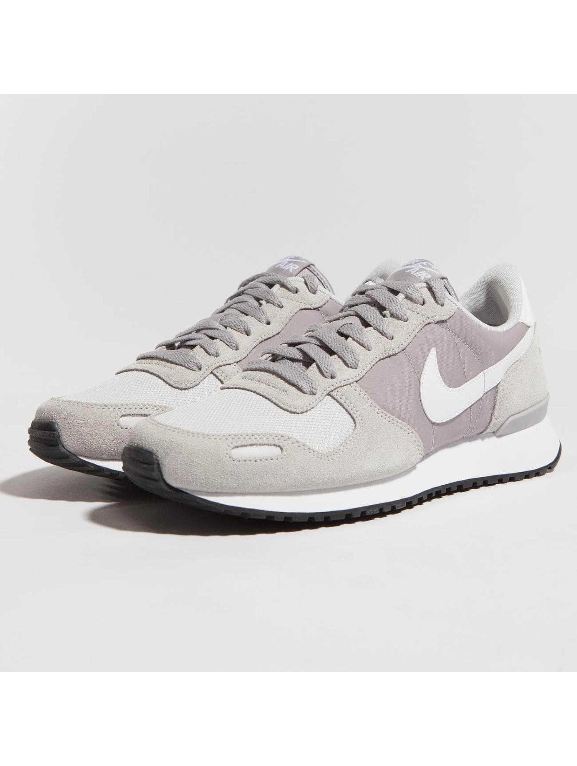 quality design 8bbc1 1e52e Nike Sneakers Air Vortex grå