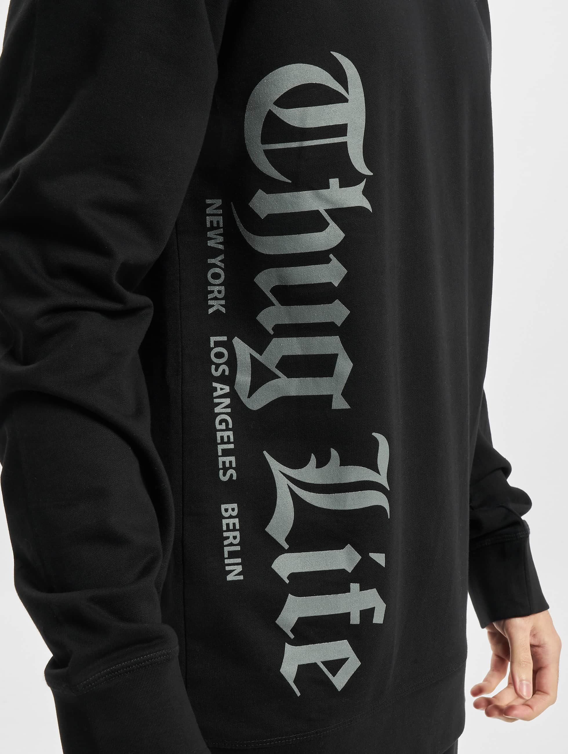 Thug Life Basic Pullover Old Engish black