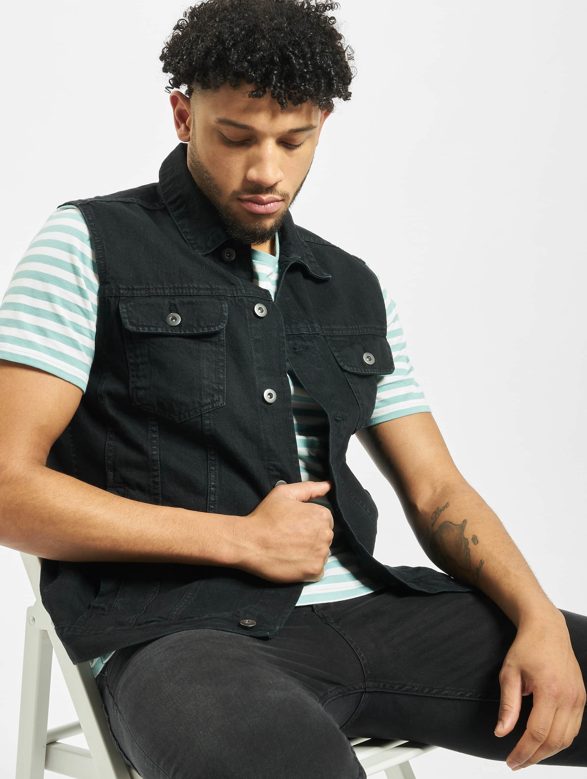urban classics herren weste denim vest in schwarz 105176. Black Bedroom Furniture Sets. Home Design Ideas