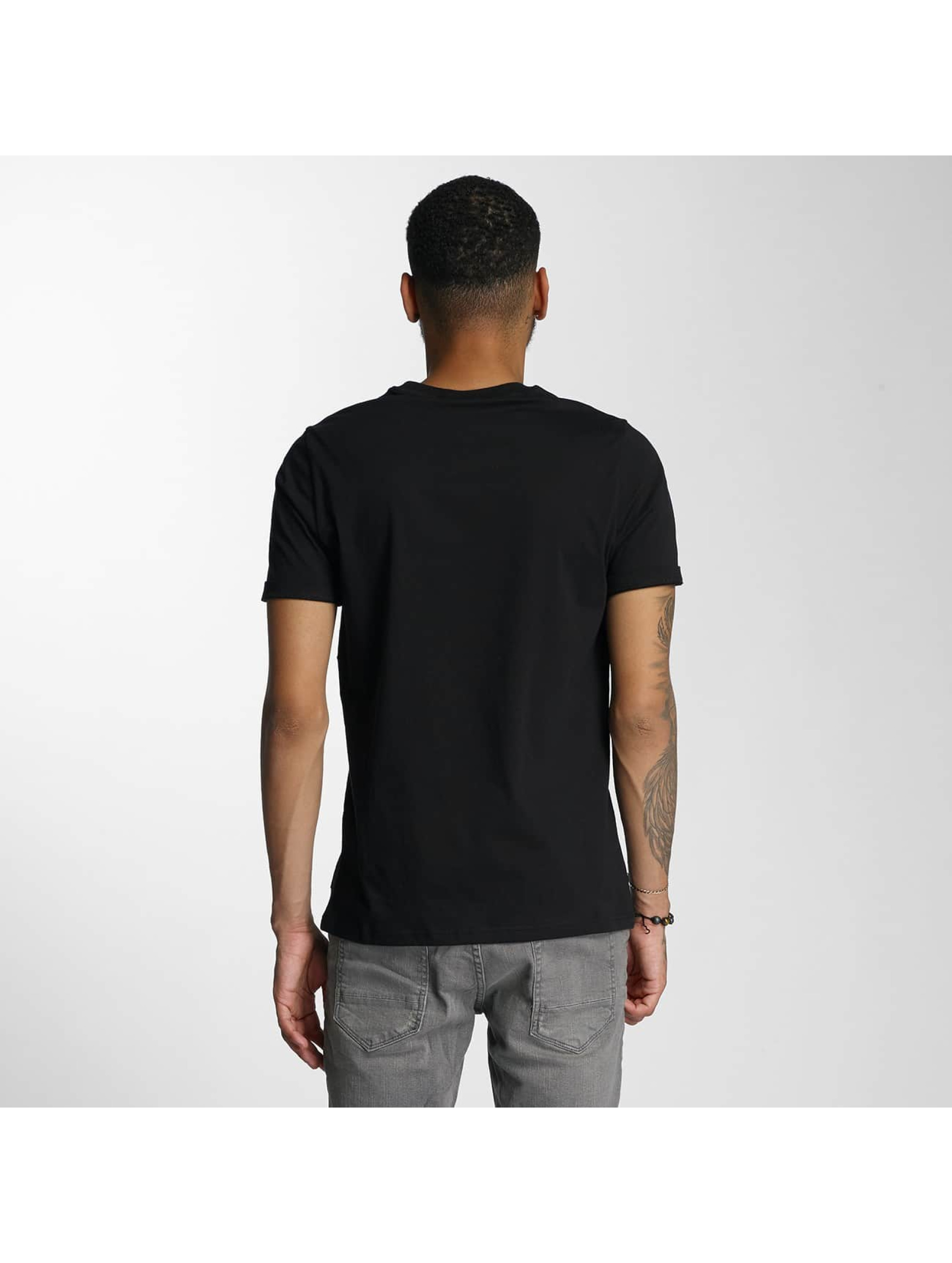 Wrung Division T-Shirt Flow black