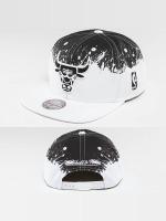 Mitchell & Ness Snapback Cap Spatter Chicago Bulls white