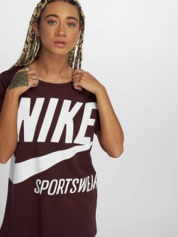 Nike T-Shirt Sportswear red