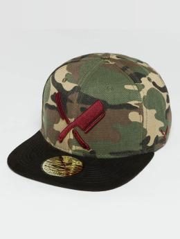 Distorted People Snapback Cap Barber & Butcher camouflage
