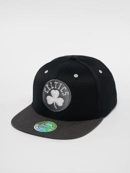 Mitchell & Ness Snapback Cap NBA Bosten Celtics Logo 110 Flat black