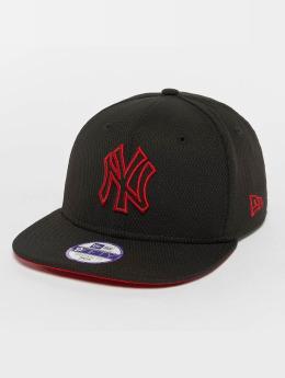 New Era Snapback Cap Kids Youth Pop Outline New York Yankees 9Fifty black