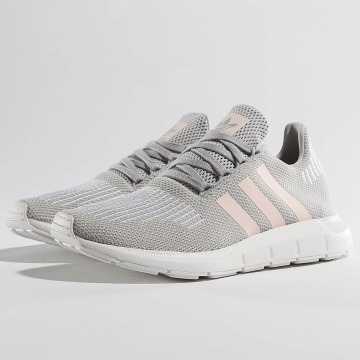 adidas Sneakers Swift Run gray