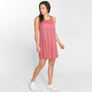 Bench Dress Performance red