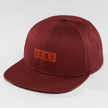 Grimey Wear Snapback Cap Overcome red