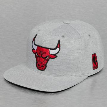 Mitchell & Ness Snapback Cap Sweat Chicago Bulls gray