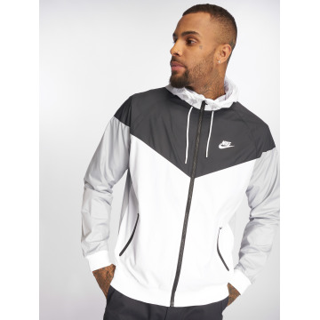 Nike Lightweight Jacket Sportswear white