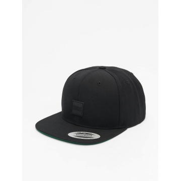 Urban Classics Snapback Cap Patch black