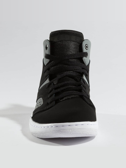 Jordan Sneakers Legend black