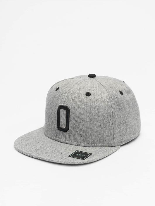 MSTRDS Snapback Cap O Letter gray