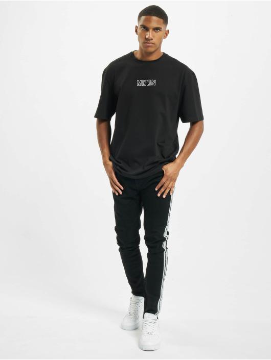 Aarhon T-Shirt Moon black