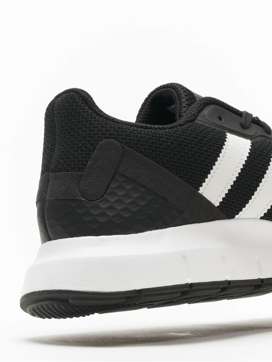 adidas Originals Sneakers Swift Run RF black