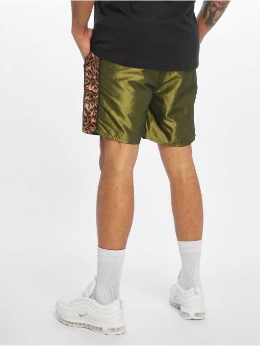 Grimey Wear Short Midnight Chameleon green