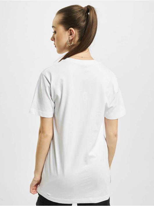 Mister Tee T-Shirt Ring On It white