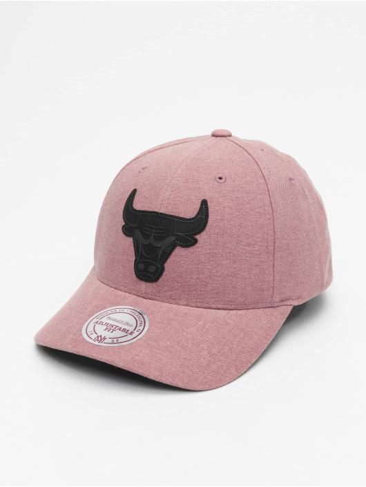 Mitchell & Ness Snapback Cap NBA Erode Chicago Bulls pink