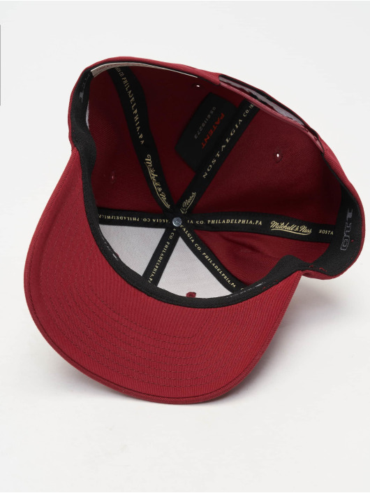 Mitchell & Ness Snapback Cap 110 Curved Interlocked OB red