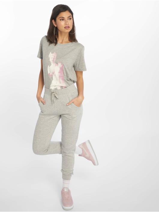 NA-KD T-Shirt Statue gray