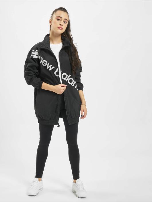 New Balance Lightweight Jacket Optiks black