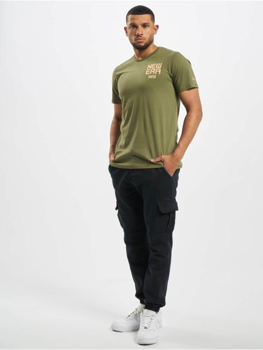 New Era T-Shirt World Tour olive