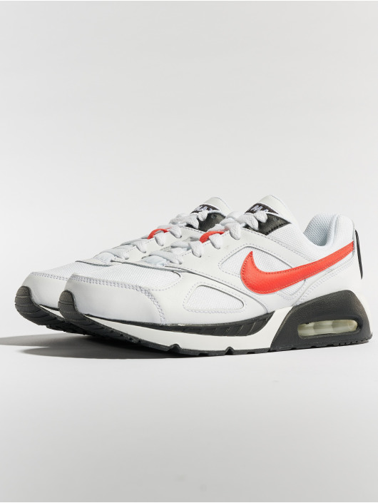 Nike Sneakers Air Max IVO white
