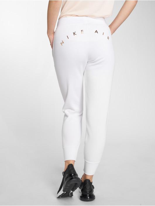 Nike Sweat Pant Rally white