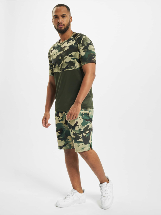 Nike T-Shirt Slim Camo green