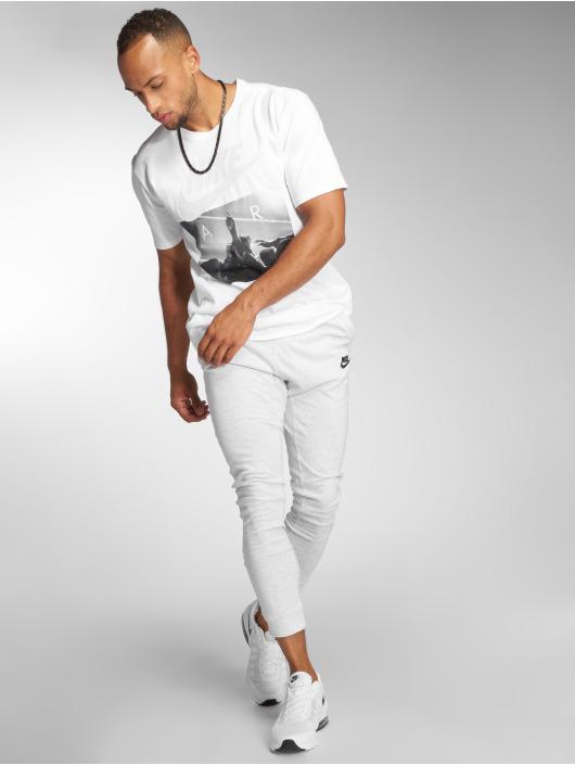 Nike T-Shirt Sportswear white