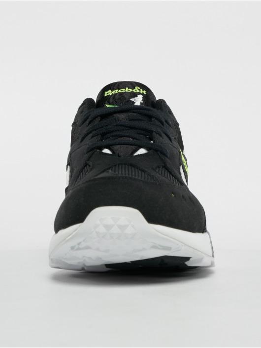 Reebok Sneakers Aztrek black