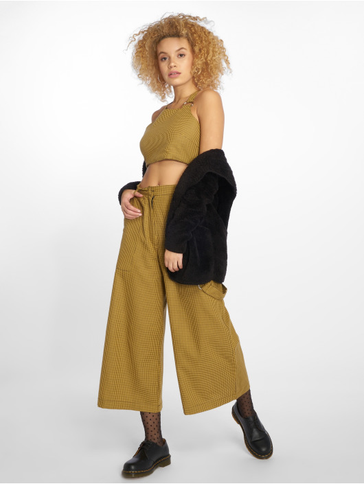 The Ragged Priest Top Hike yellow